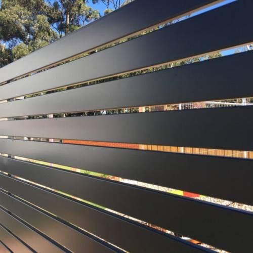 Hliníkové ploty – dva nové motivy
